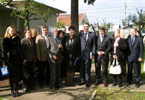 p000100080042_Foto-Grup---Universitatea-Oradea