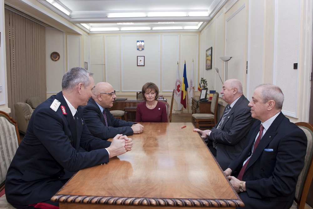 principesa-mostenitoare-la-semnarea-protocolului-de-colaborare-crucea-rosie-isu-19-decembrie-2016-foto-daniel-angelescu-c-casa-ms-regelui-10