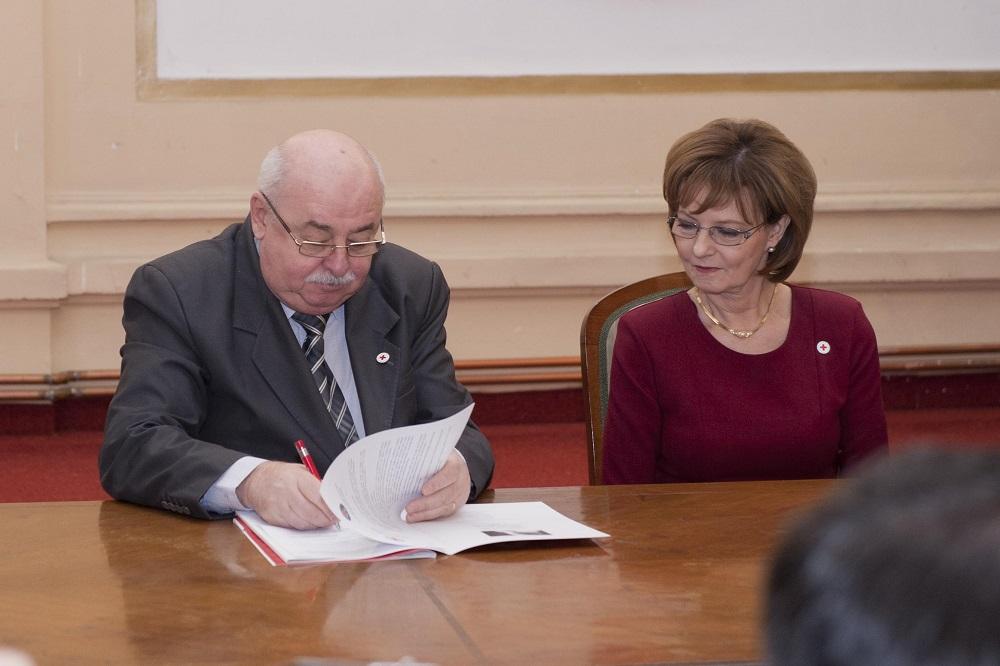 principesa-mostenitoare-la-semnarea-protocolului-de-colaborare-crucea-rosie-isu-19-decembrie-2016-foto-daniel-angelescu-c-casa-ms-regelui-7