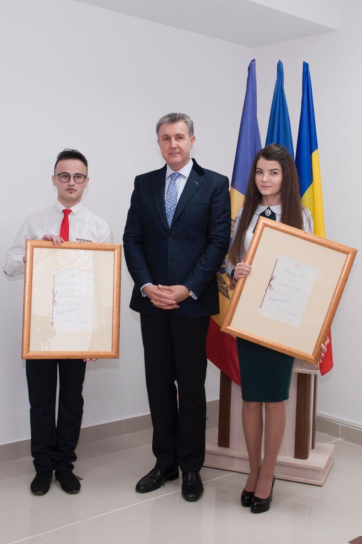 Inmanarea Burselor Regele Ferdinand I si Regina Maria la Universitatea Academiei de Stiinte a Moldovei, anul al doilea (2016)