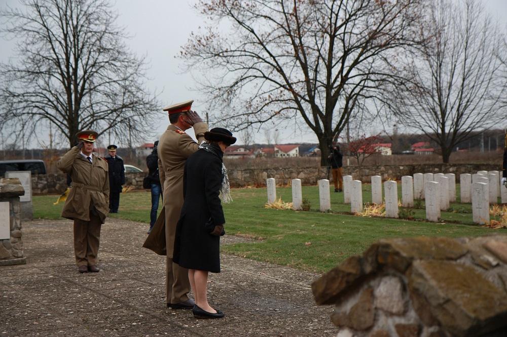50-principesa-mostenitoare-si-principele-radu-remembrance-day-2016-cimitirul-militar-tancabesti-4