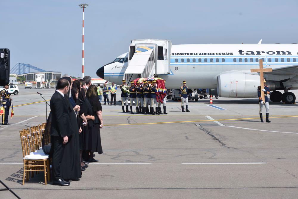 Ceremonie funerara la Aeroportul Otopeni 9 august 2016