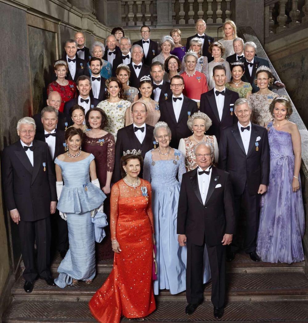 Fotografia oficiala a sarbatoririi Regelui Suediei la 70 de ani