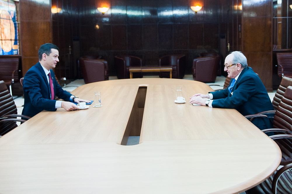 seful-casei-majestatii-sale-regelui-s-a-intalnit-cu-prim-ministrul-guvernului-palatul-victoria-7martie2017-2