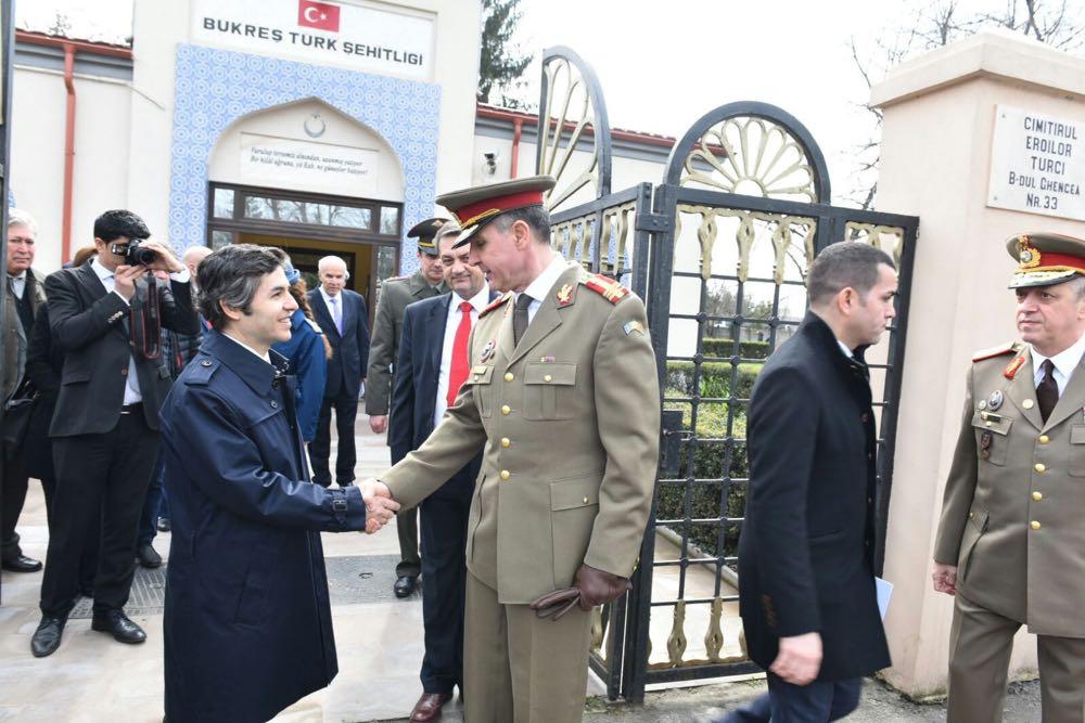 Principele Radu la ceremonia de comemorare a militarilor turci cazuti pe teritoriul Romaniei in Primul Razboi Mondial, 18 martie 2017 ©Ambasada Republicii Turcia la Bucuresti