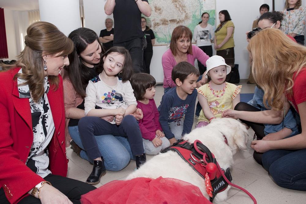 principesa-maria-vizita-la-centrul-caritas-bucuresti-24-martie-2017-foto-daniel-angelescu-c-casa-ms-regelui-16