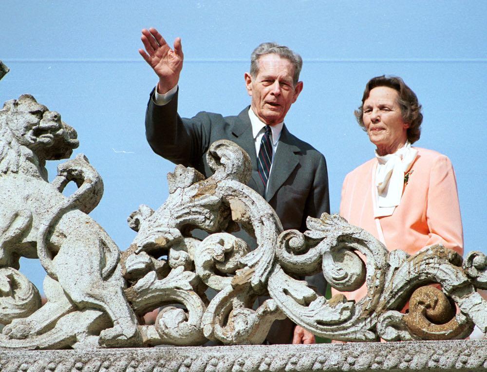 BUCURESTI, ROMANIA: Regele Mihai I si regina Ana la Palatul Elisabeta, 18 mai 2001. Foto ROMPRES/ Sorin LUPSA