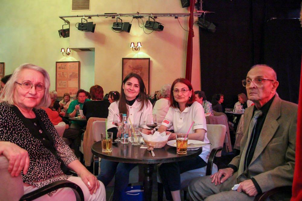 Fundația Principesa Margareta a Romaniei, programul Invita un bunic la teatru
