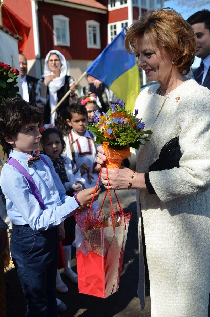 Principesa-Mostenitoare-si-Principele-Radu-a-doua-zi-de-Paste-Centrul-Episcopal-al-Europei-de-Nord-2mai2016