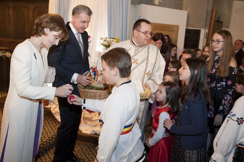 principesa-mostenitoare-si-principele-radu-sarbatoarea-pastelui-la-cluj-napoca-16-aprilie-2017-foto-daniel-angelescu-c-casa-ms-regelui-9