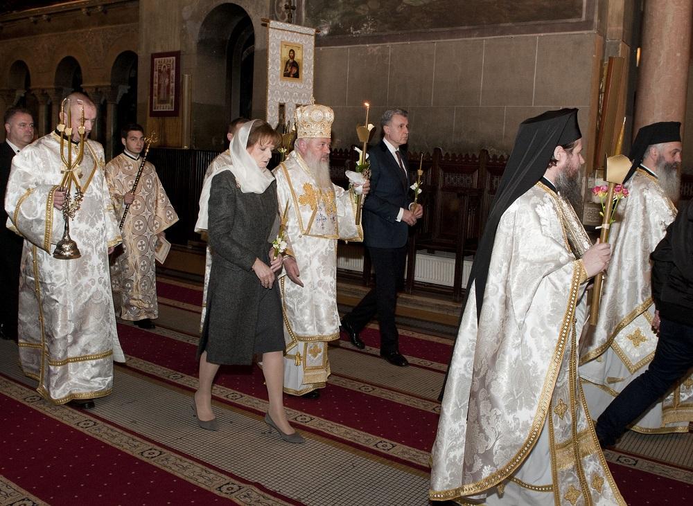 principesa-mostenitoare-si-principele-radu-slujba-invierii-cluj-napoca-16-aprilie-2017-foto-daniel-angelescu-c-casa-ms-regelui-5
