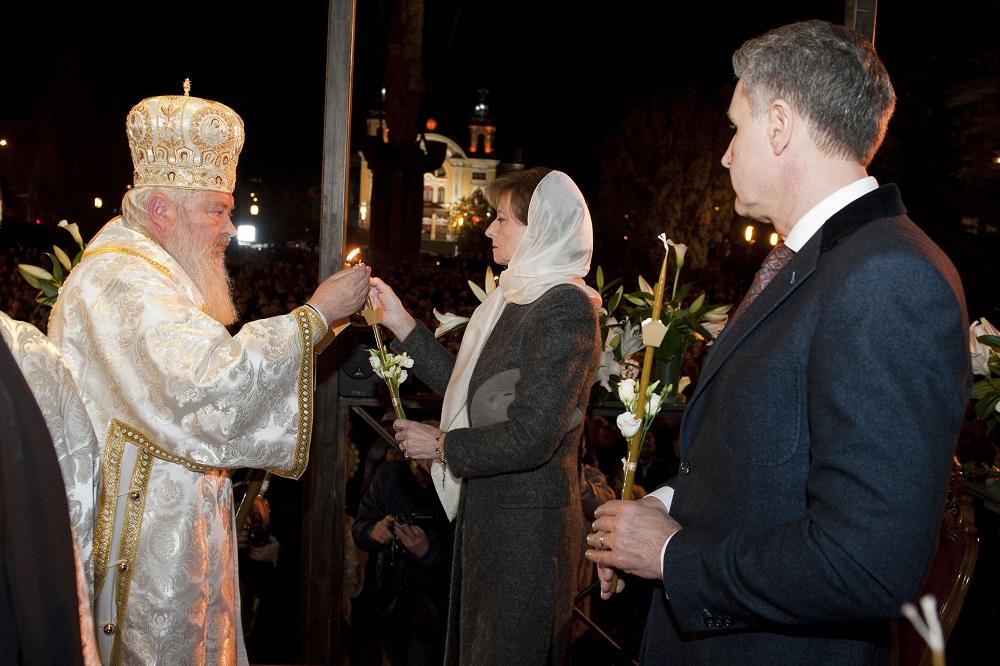 principesa-mostenitoare-si-principele-radu-slujba-invierii-cluj-napoca-16-aprilie-2017-foto-daniel-angelescu-c-casa-ms-regelui-6