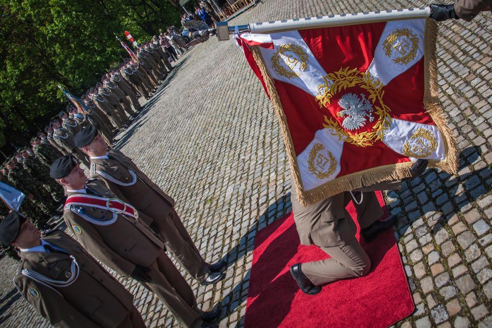 Principele Radu, Brigada 17 Mecanizata Poznan, ceremonia noului drapel de lupta al Batalionului Logistic Regele Carol II al Romaniei, patronajul regal al Principesei Mostenitoare Margareta acordat Brigazii, 11 mai 2017 ©Brigada 17 Mecanizata Poznan