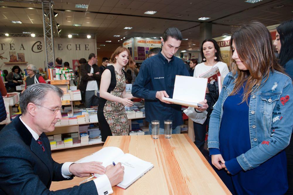 Lansarea albumului Povestea Castelului Peles, Editura Curtea Veche, Bookfest, 27mai2017 ©Daniel Angelescu
