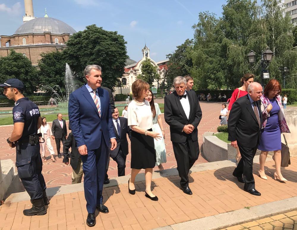 Principesa Mostenitoare Margareta si Principele Radu la sarbatorirea la 80 de ani a Regelui Simeon, Catedrala Sfantul Alexandru Nevski, 16 iunie 2017